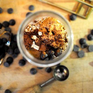 Peanut Butter Chocolate Overnight Oats | LetsEatCake.com