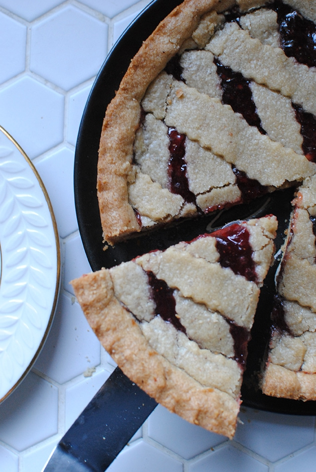 Peanut Butter and Jelly Linzer Torte | LetsEatCake.com