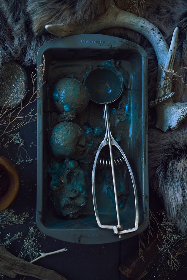 Whitewalker Game of Thrones Ice Cream Recipe | LetsEatCake.com