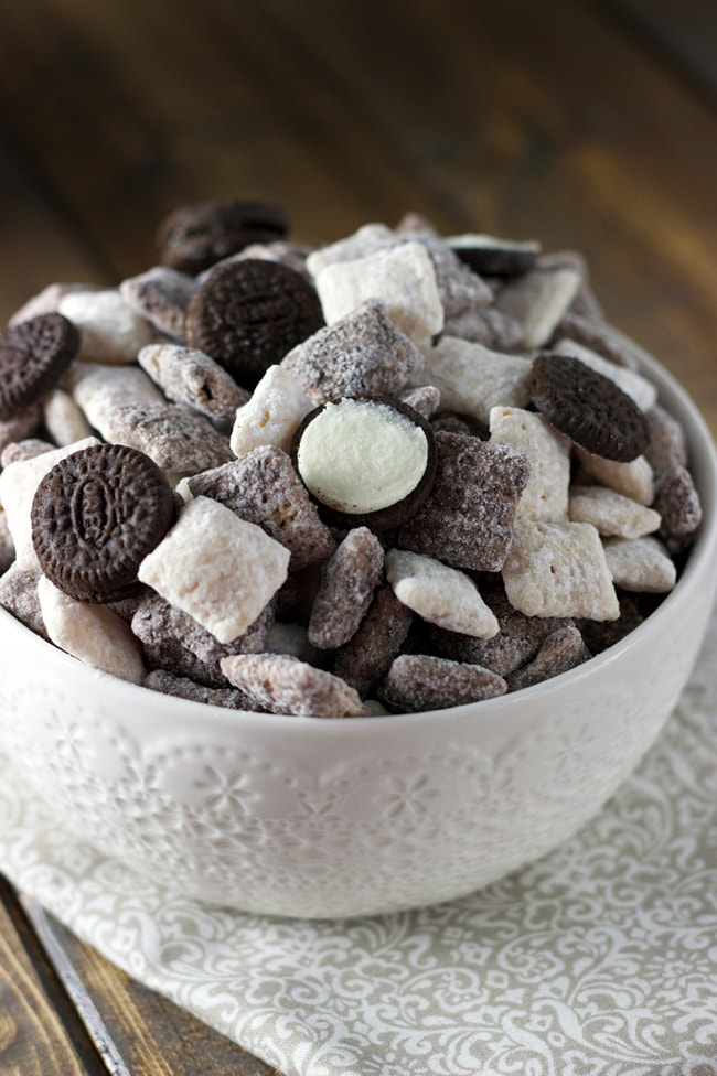 25 Muddy Buddies Recipes - Cookies and Cream