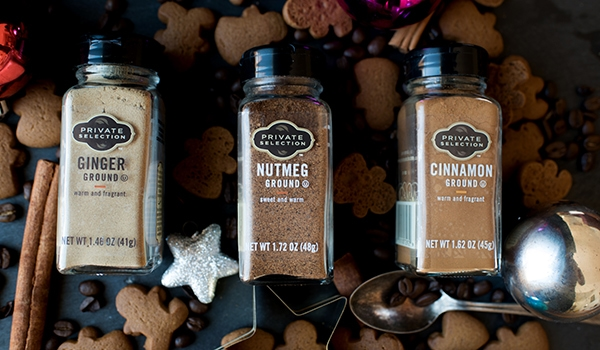 Gingerbread Latte Spices with Gingerbread Men