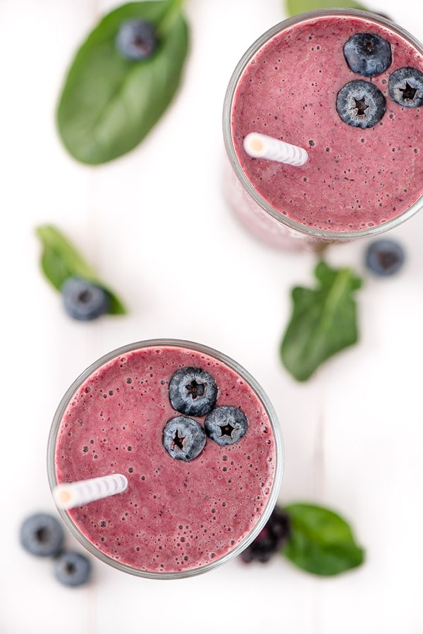 21 Smoothie Recipes - Berry Spinach