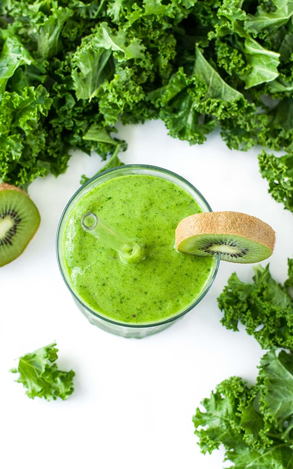 21 Smoothie Recipes - Mango Kale