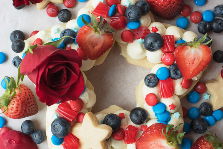 Star-Shaped Cream Tart Cake