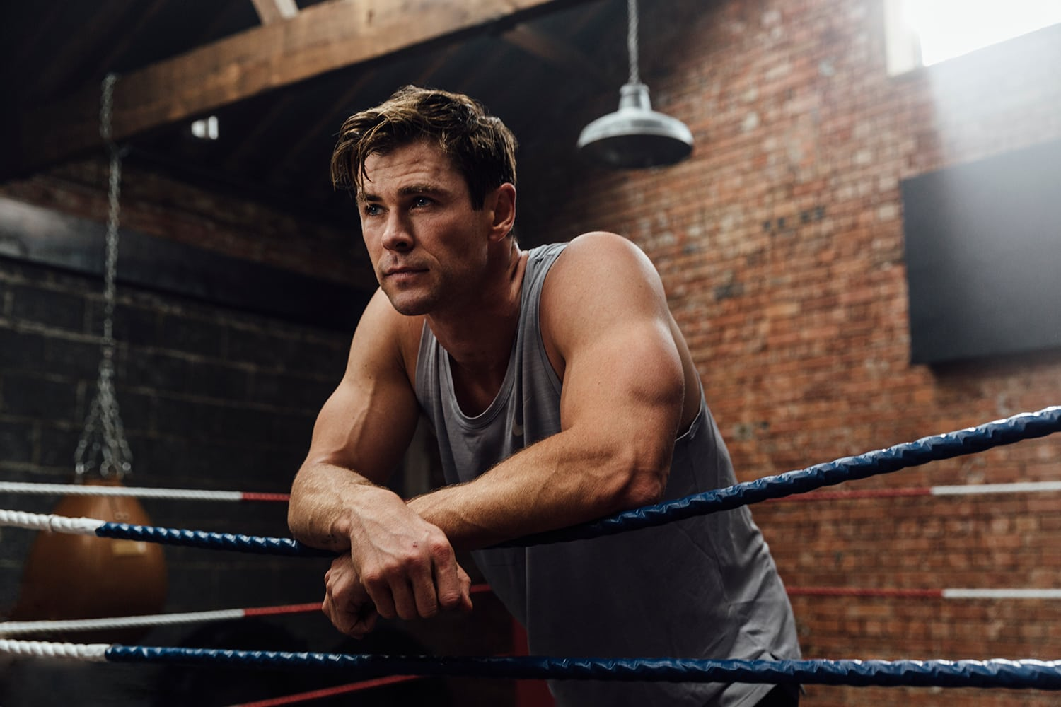 Chris Hemsworth GIFs - boxing ring