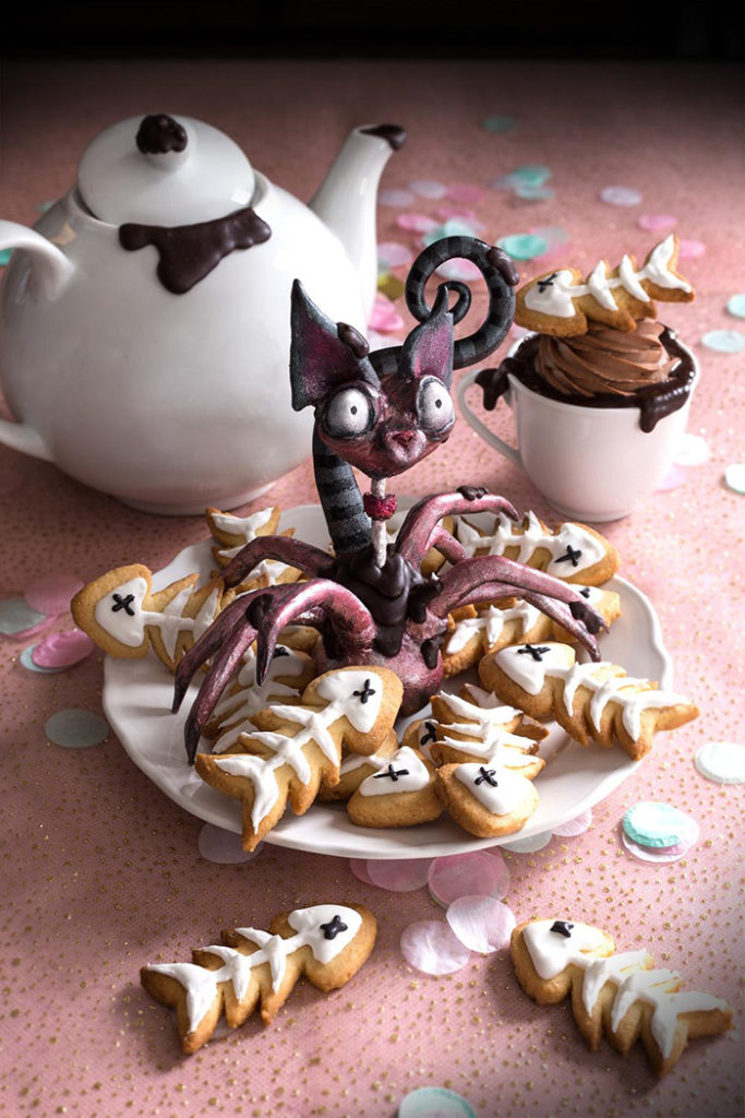 La Chateleine Creepy Halloween Cakes and Desserts - Fishbones and Spider Cat