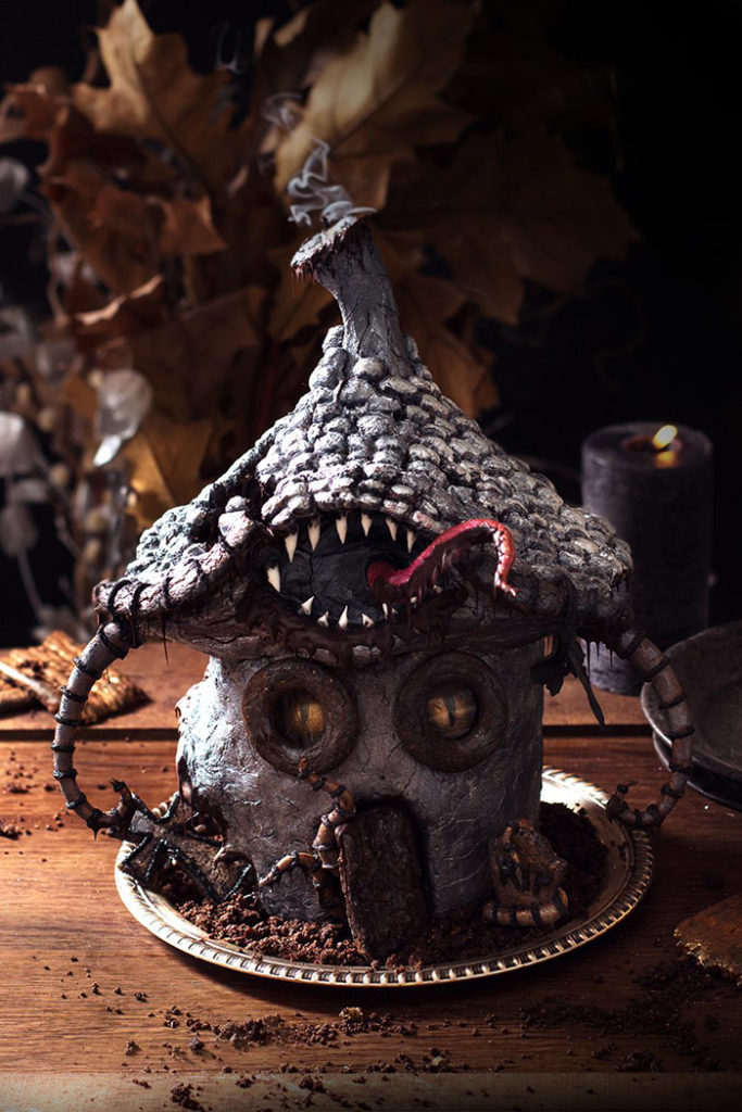 La Chateleine Creepy Halloween Cakes and Desserts - Haunted House