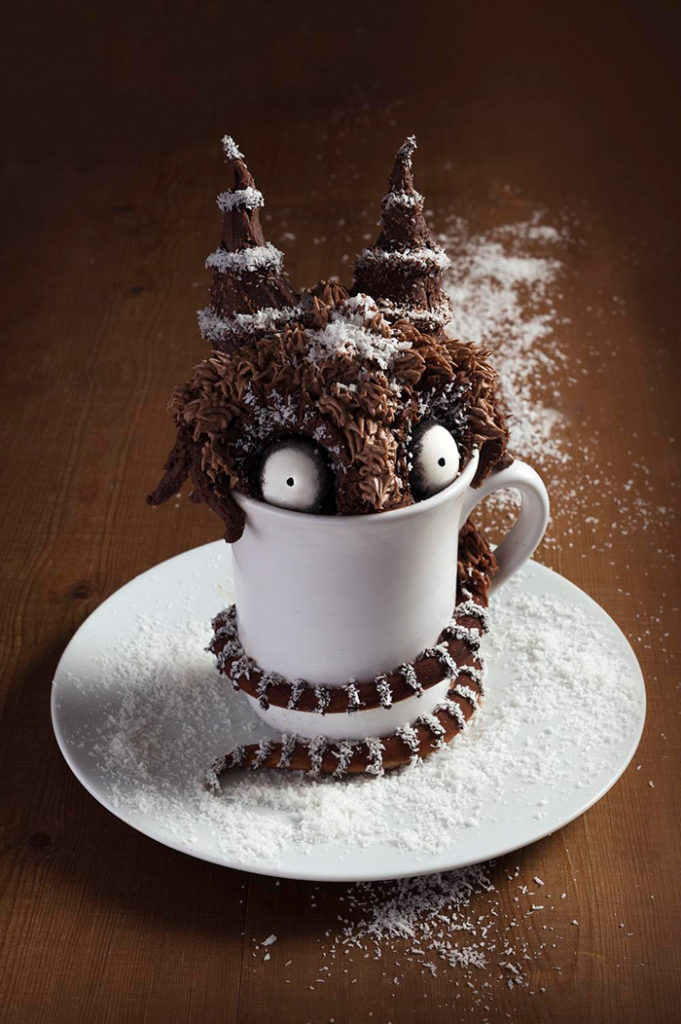 La Chateleine Creepy Halloween Cakes and Desserts - Mudcake Monster