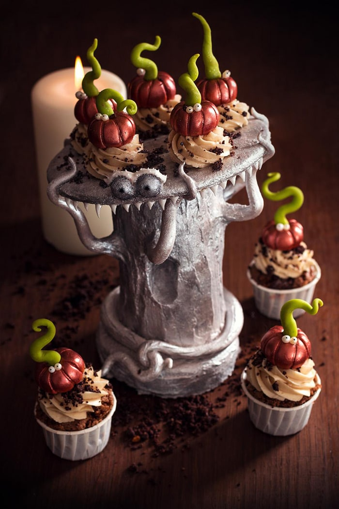 La Chateleine Creepy Halloween Cakes and Desserts - Pumpkin Tree