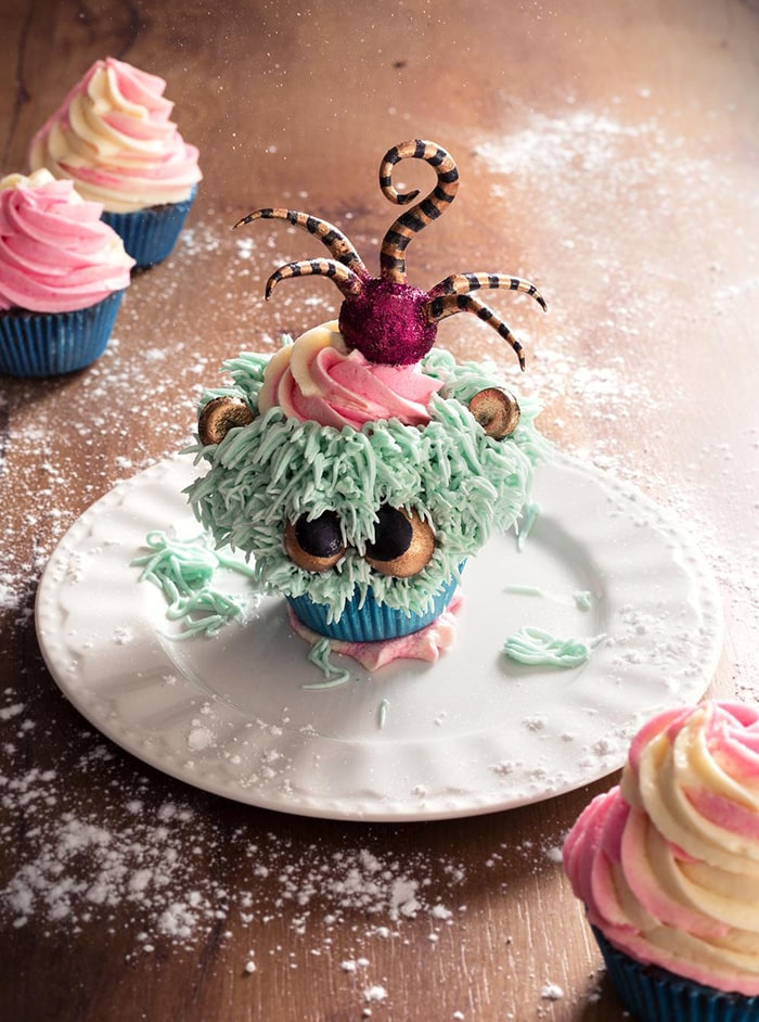 La Chateleine Creepy Halloween Cakes and Desserts - Sweet Cupcake