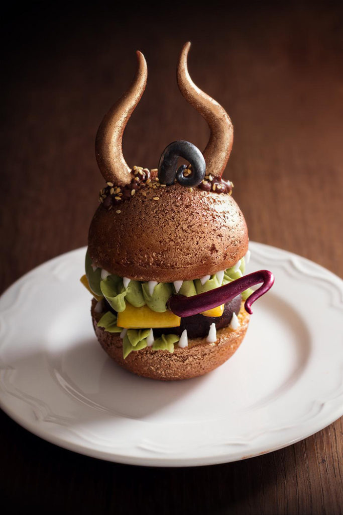 La Chateleine Creepy Halloween Cakes and Desserts - Sweet Hamburger