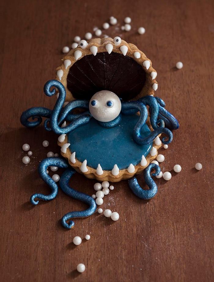 La Chateleine Creepy Halloween Cakes and Desserts - The Rare Pearlr