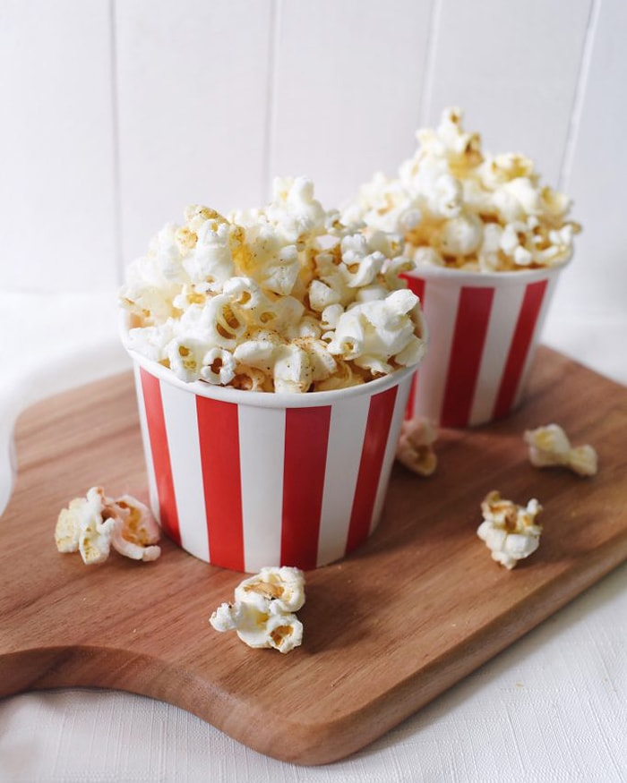 low carb movie snacks - popcorn