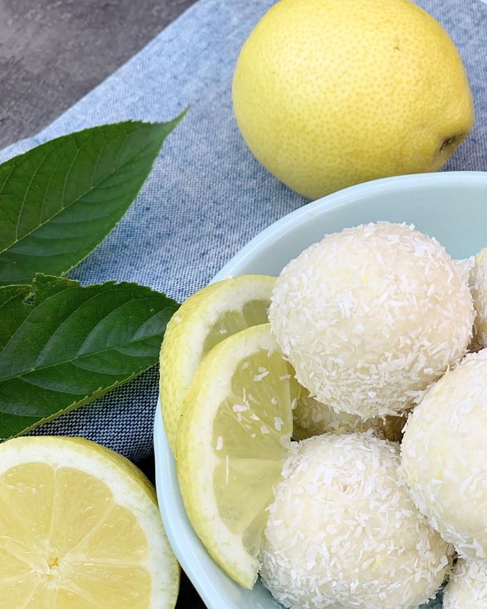 low carb movie snacks - lemon balls