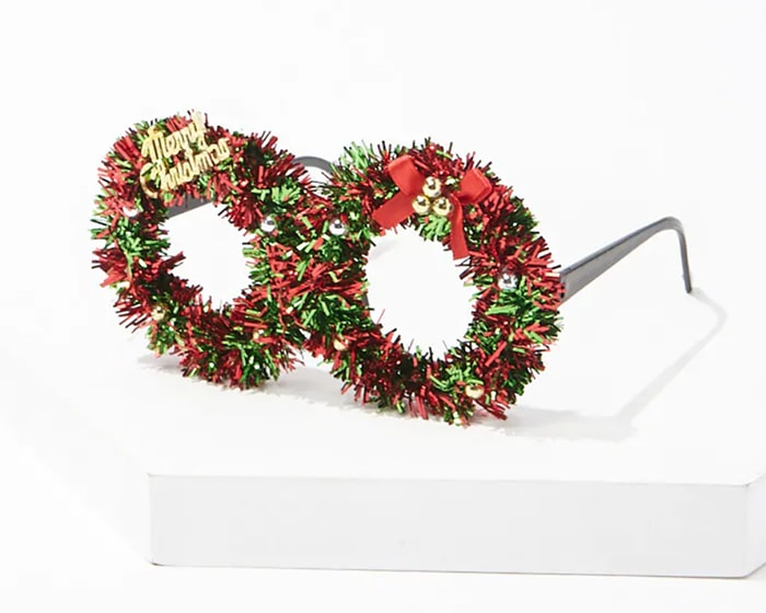 Tacky Christmas Party Ideas - Wreath Glasses