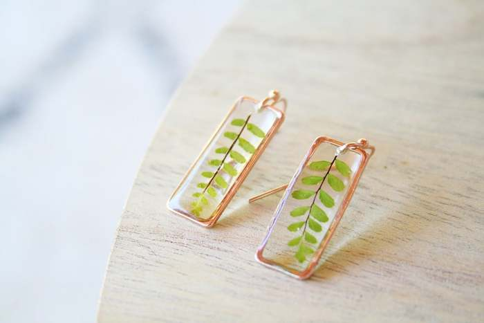 Cottagecore Fashion - resin leaf earrings