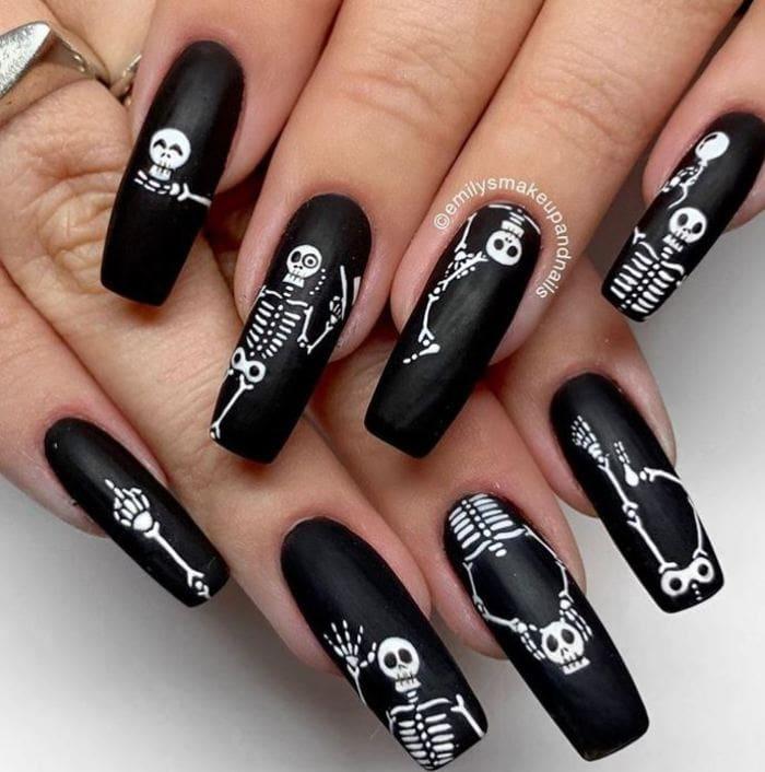 Black Halloween Nails - Skeletons