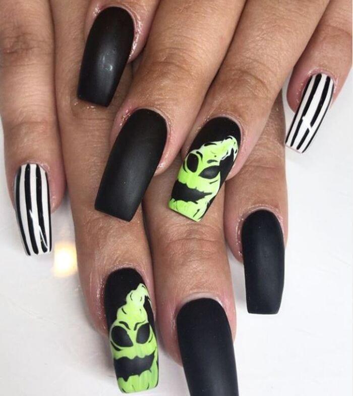 Black Halloween Nails - Bogeyman