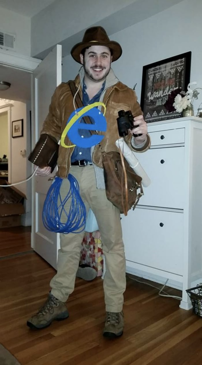 Punny Halloween Costumes - Internet Explorer