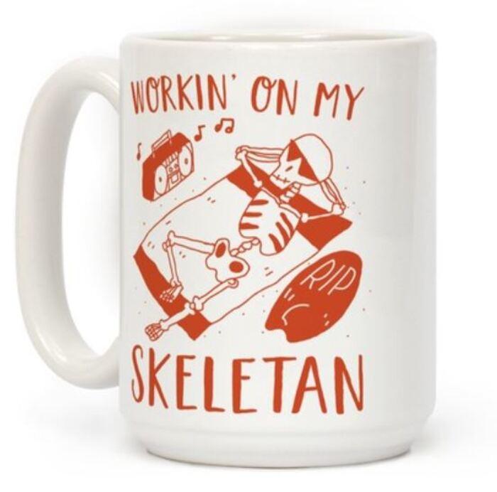 Skeleton Puns - Workin' on my Skeletan Sunbathing skeleton