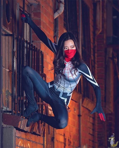 Female Superhero Costume Ideas - Silk