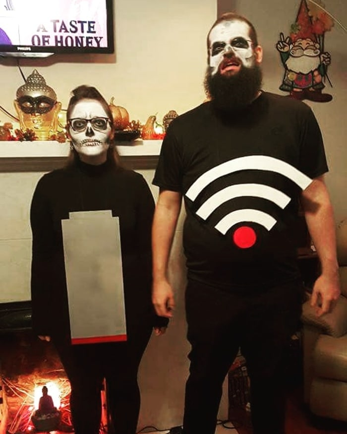 funny couples costumes - No WiFi low battery