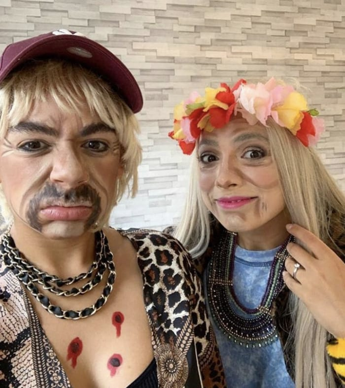 funny couples costumes - Joe Exotic and Carol