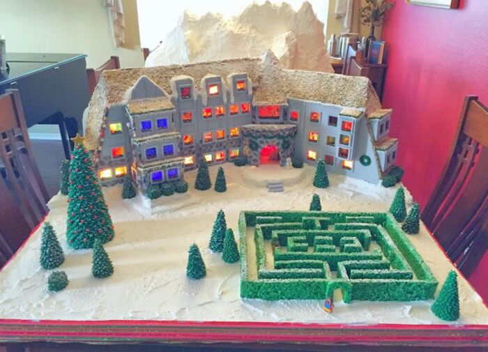 Funny Gingerbread House Ideas - The Shining