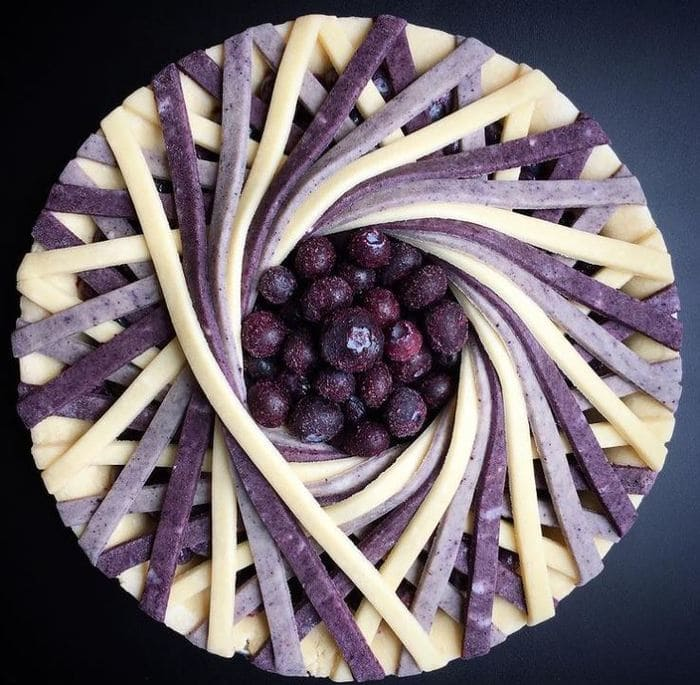 Unique Pies - Purple and vanilla spiral