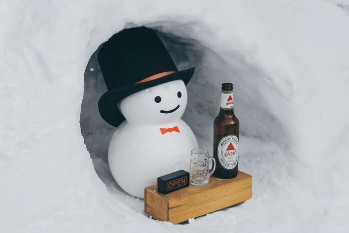 Christmas Jokes - Snowman Marshmallow Serving Beer