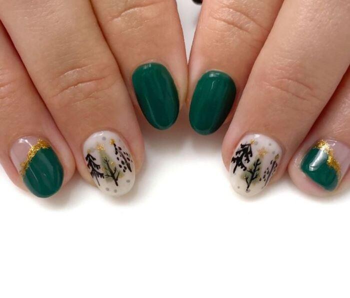 Christmas Nails - Green and Christmas trees
