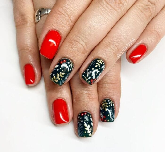 Christmas nails - Holly nails