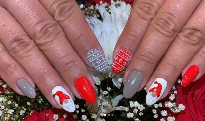 Christmas Nails - Santa and red nails