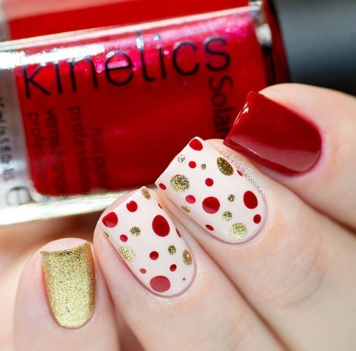 Christmas Nails - red and gold nails