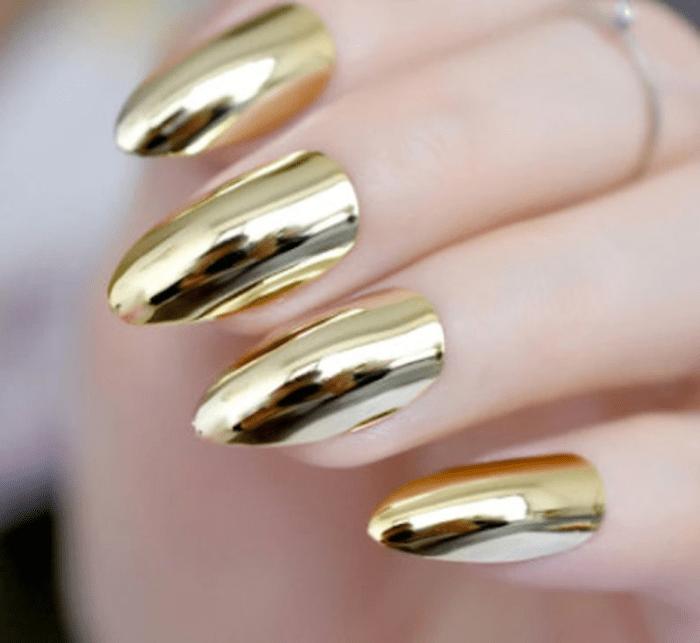 Wonder woman nails - Gold metalic nails