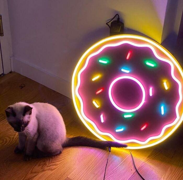 Donut Gift Ideas - Neon Sign