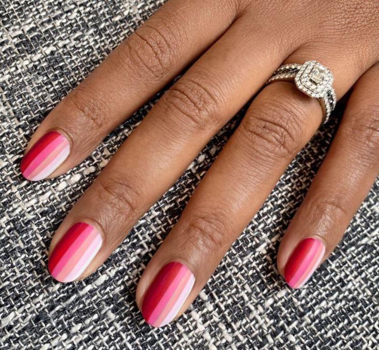 Valentines Nails - Pink tones stripes