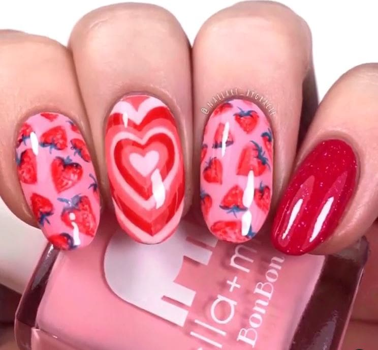 Valentines Nails - Pink hearts and strawberries