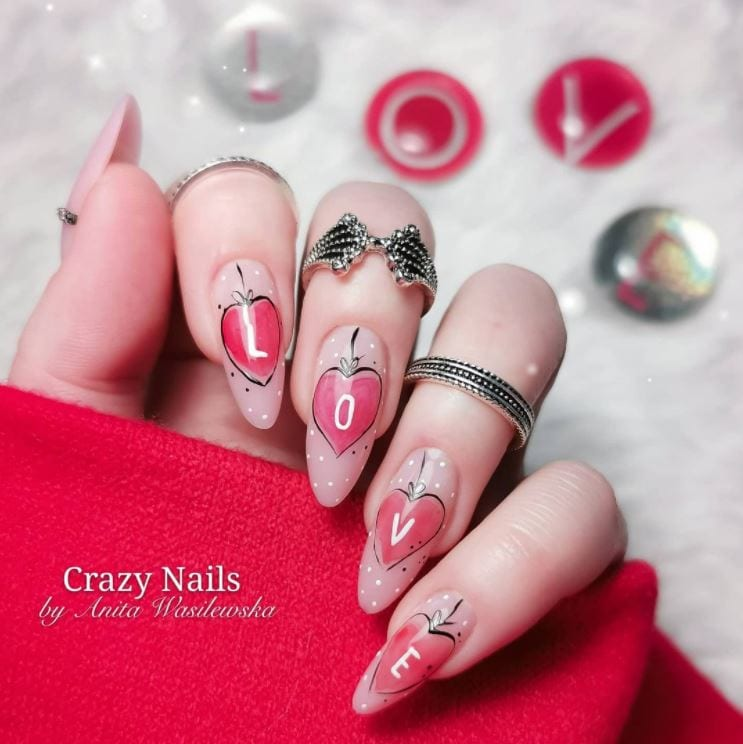 Valentines Nails - Pink heart ormaments hand drawn