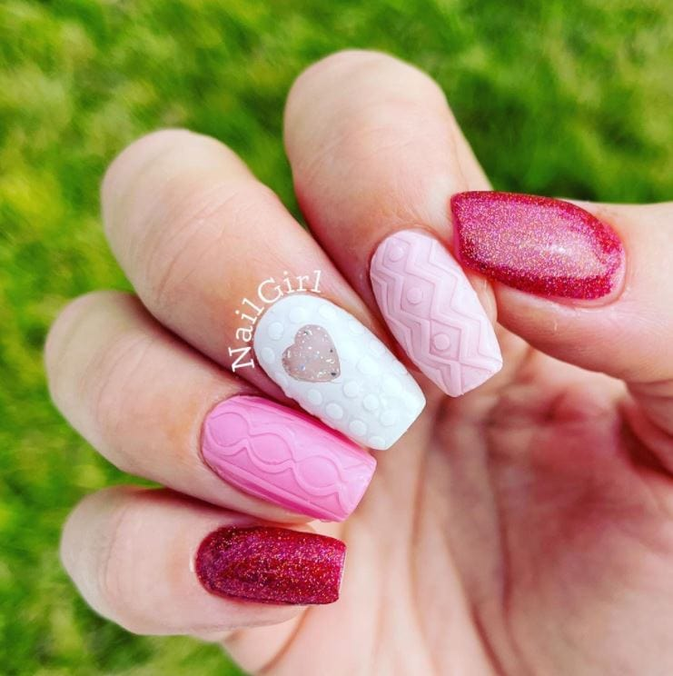 Valentines nails - Pink and white textured
