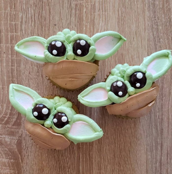 Baby Yoda Cupcakes - buttercream Mandalorian desserts