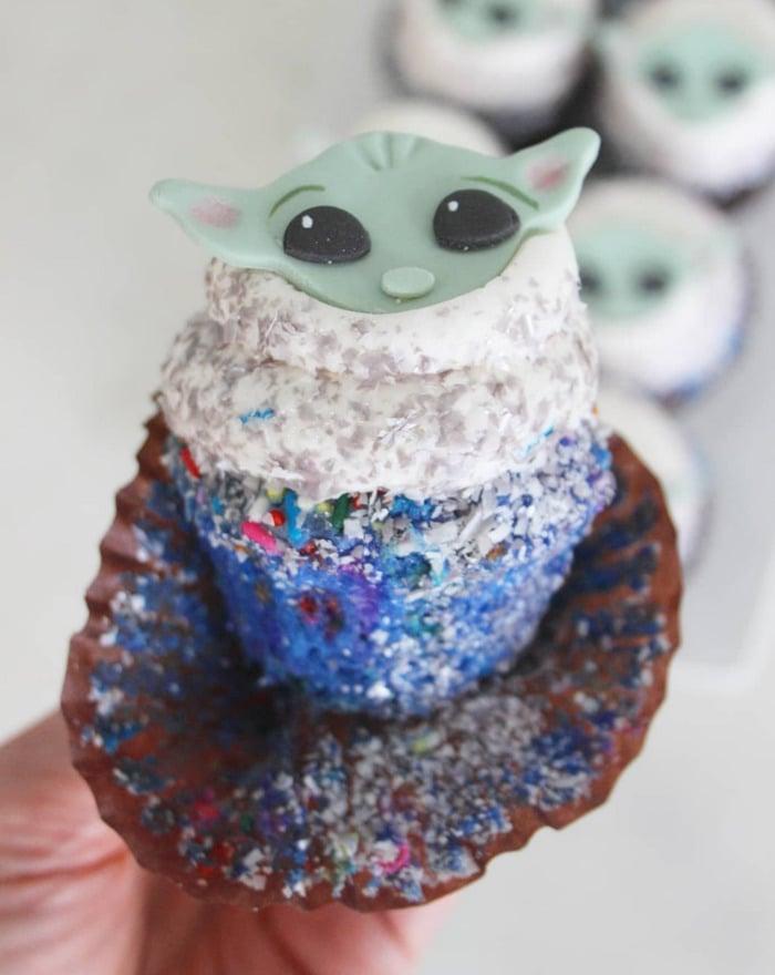 Baby Yoda Cupcakes - galaxy confetti yoda cupcakes