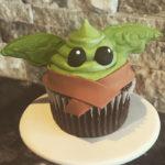 Baby Yoda Cupcakes - chocolate Star Wars