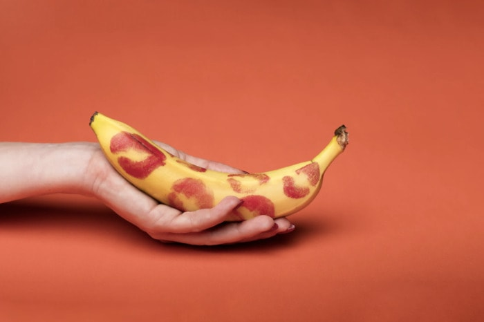 How to Make a Guy Come Faster - kisses on banana