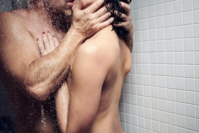 Shower Sex Positions - steamy kissing