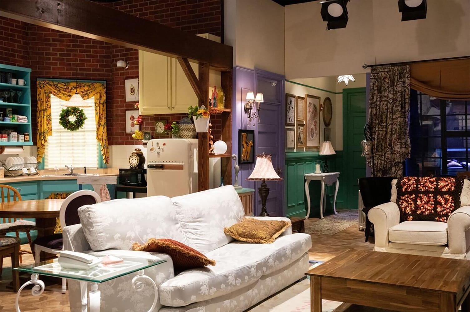 Friends Apartment Sleepover - Monica Rachel