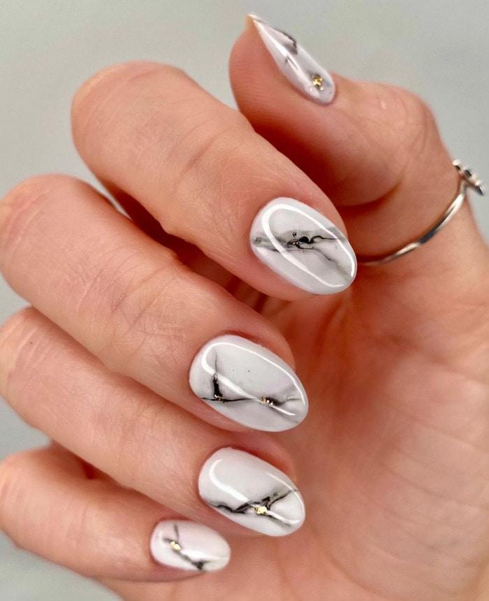 Nail Designs - marble print short