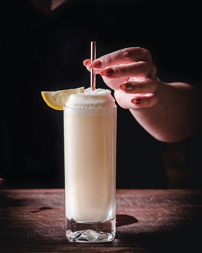 Ramos Gin Fizz - adding straw