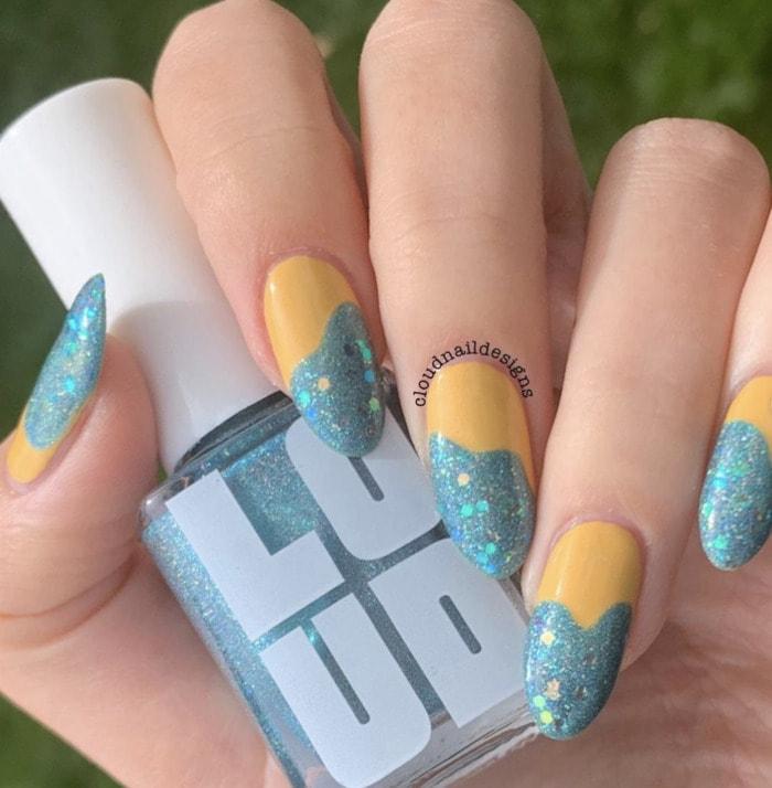Beach Nail Art - yellow glitter tips