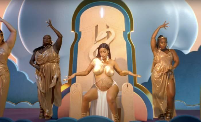 Lizzo Rumors Music Video - Cardi B throne Rumors